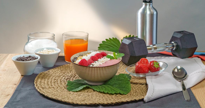 Smoothie-bowl-fragole-lamponi-Sant'Orsola-videoricette-ricette-frutti-di-bosco