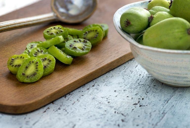 Scopri il baby kiwi: un frutto ricco di proprietà. Sant'Orsola