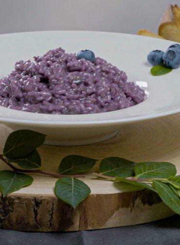 Ricetta-risotto-mirtilli-speck-Santorsola-frutti-di-bosco