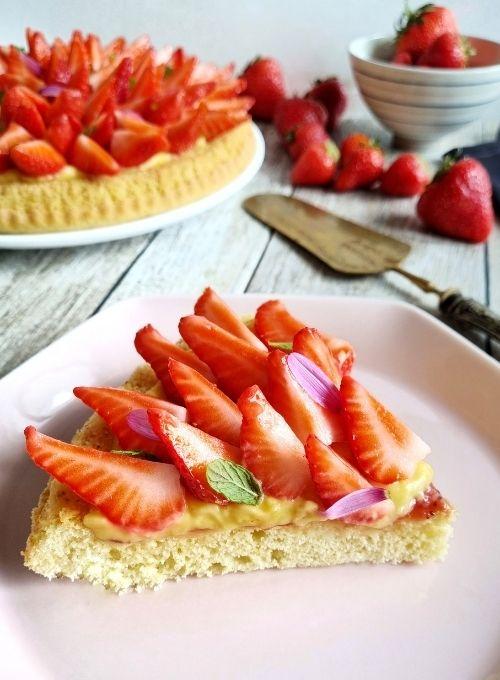 Crostata-fior-di-fragole-morbida-crema-pasticcera-confettura-fragole-sant'orsola