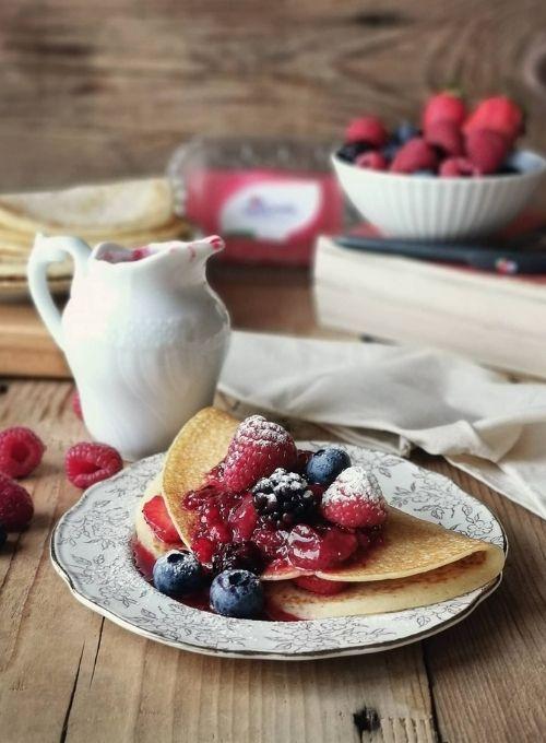 Back-to-school-SantOrsola-Crepes-frutti-di-bosco-senza-glutine-ricetta-Monica-Bellin