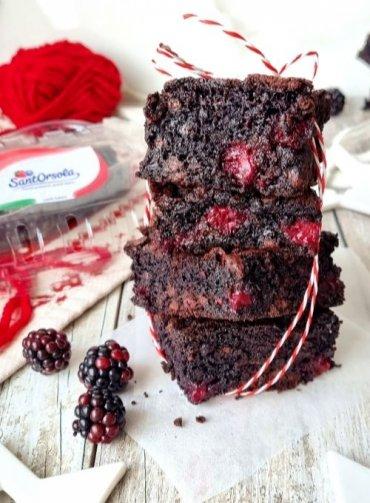 Brownies-cioccolato-mora-ricetta-velocissima-Sant'Orsola-piccoli-frutti-frutti-di-bosco